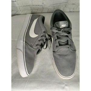 Nike Gray/White Men's Sneakers SZ 11